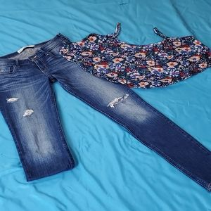 Size 0 Distressed Hollister Jeans